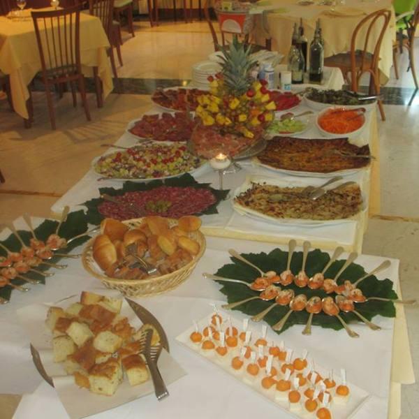 Il buffet degli antipasti