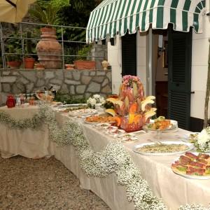 Il buffet di antipasti per un matrimonio