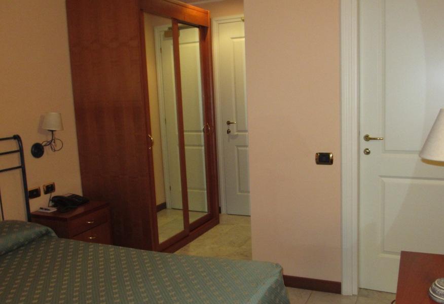 Stanze famiglia: camera rosa