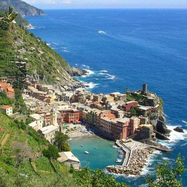 Hotel in Moneglia (Liguria, Italy) for Trekking, Hiking